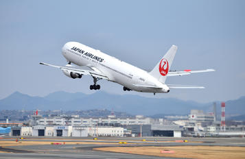 JA623J - JAL - Japan Airlines Boeing 767-300ER