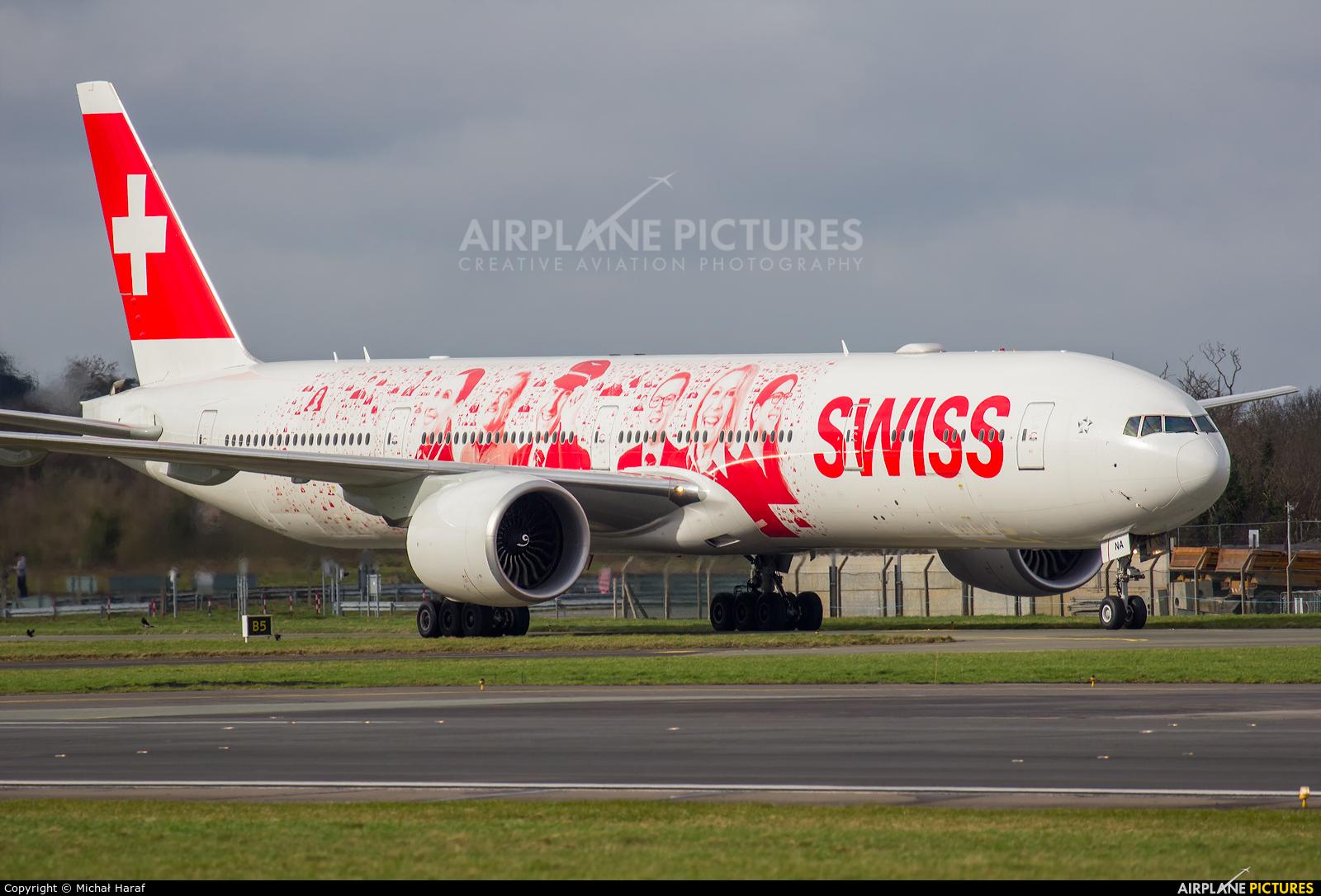 Swiss HB-JNA aircraft at Dublin