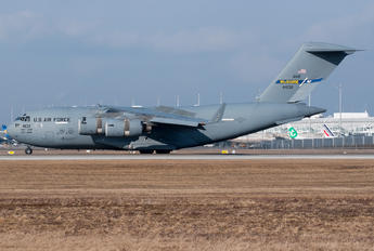 04-4132 - USA - Air Force Boeing C-17A Globemaster III
