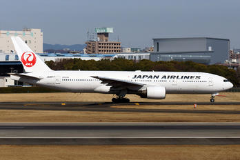JA8977 - JAL - Japan Airlines Boeing 777-200