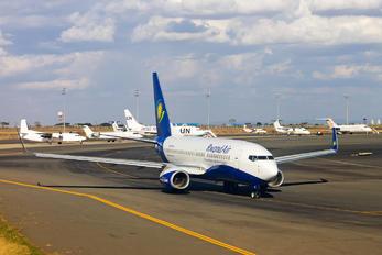 9XR-WK - RwandAir Boeing 737-700