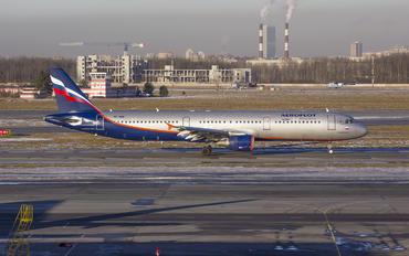 VP-BOE - Aeroflot Airbus A321