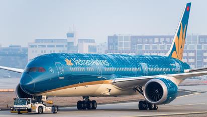 VN-A868 - Vietnam Airlines Boeing 787-9 Dreamliner