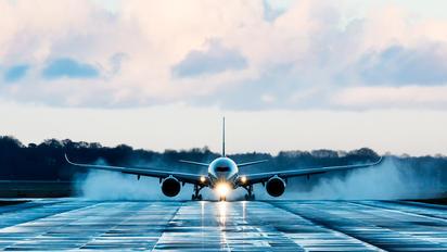 - - Airbus Industrie Airbus A350-1000