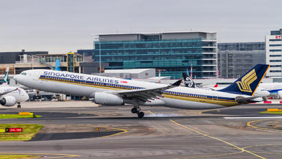 9V-STC - Singapore Airlines Airbus A330-300