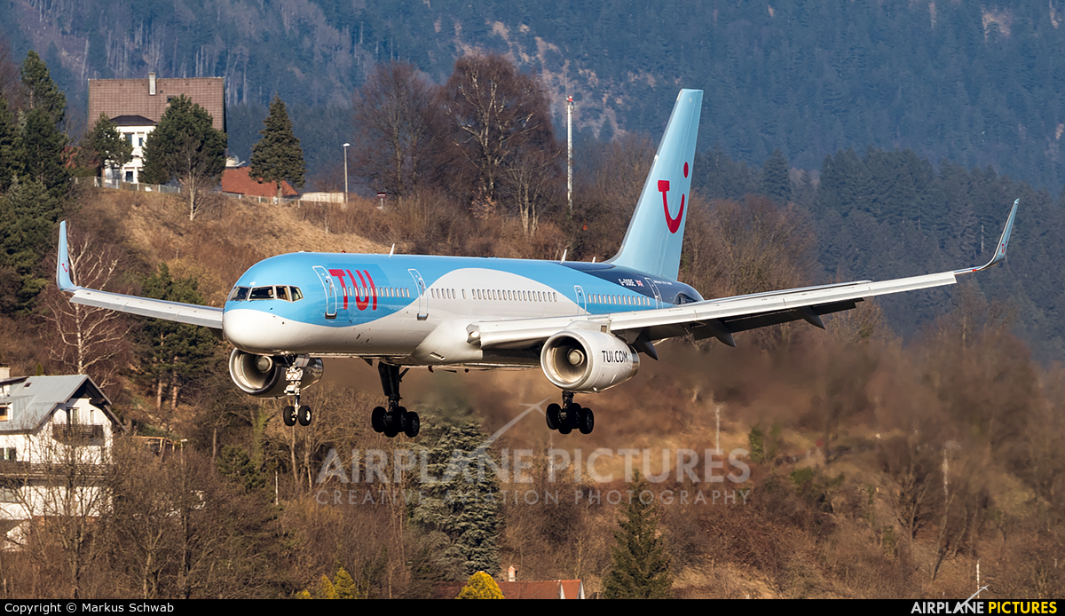 TUI Airways G-OOBE aircraft at Innsbruck