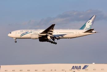 ZK-OKB - Air New Zealand Boeing 777-200ER
