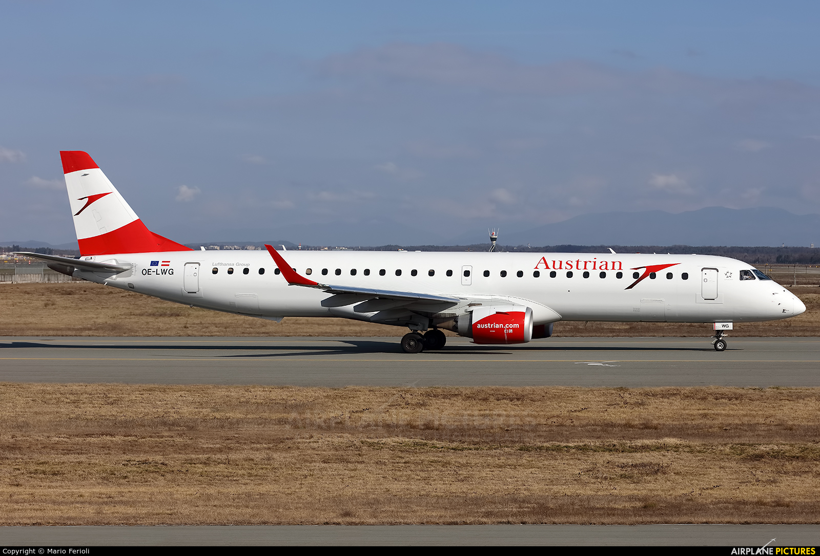 Austrian Airlines/Arrows/Tyrolean OE-LWG aircraft at Milan - Malpensa