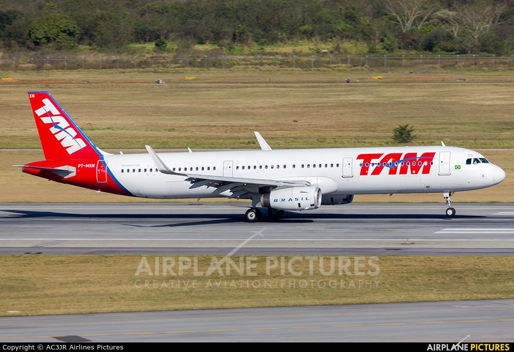 TAM PT-MXN aircraft at São Paulo - Guarulhos