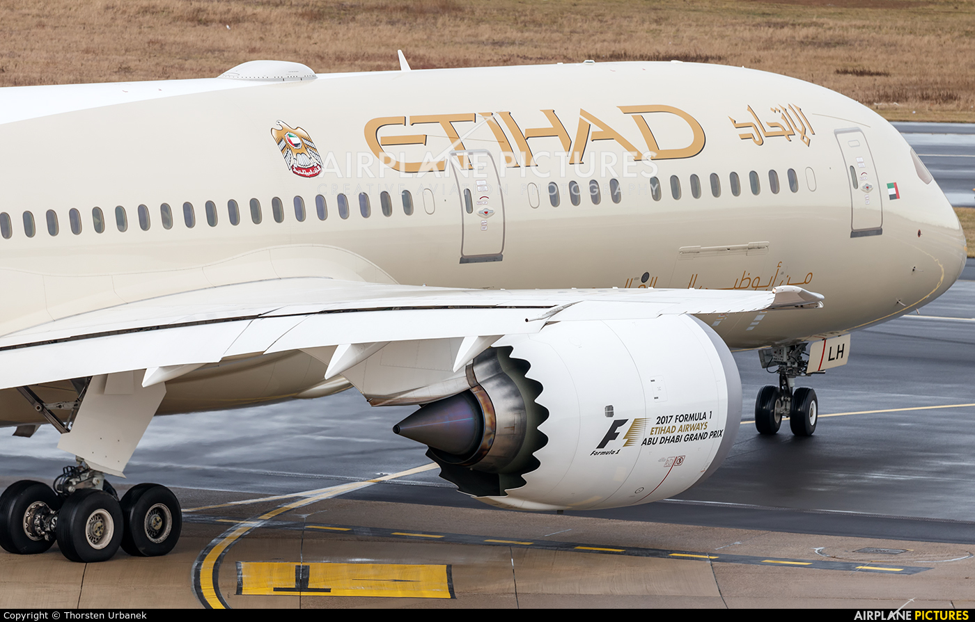 Etihad Airways A6-BLH aircraft at Düsseldorf