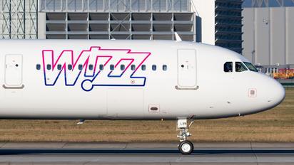D-AVZU - Wizz Air Airbus A321