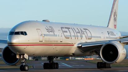 A6-ETQ - Etihad Airways Boeing 777-300ER