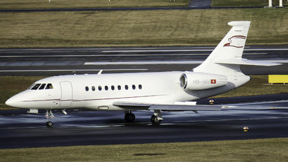 HB-IAU - Cat Aviation Dassault Falcon 2000 DX, EX