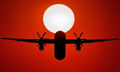 - - JAL-  Japan Air Commuter de Havilland Canada DHC-8-400Q / Bombardier Q400