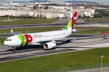 CS-TOS - TAP Portugal Airbus A330-200