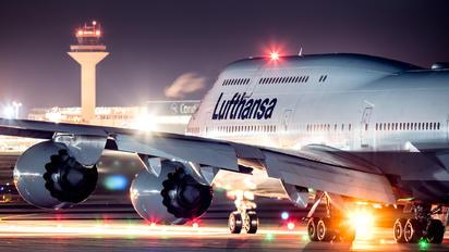 D-ABYL - Lufthansa Boeing 747-8