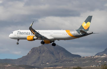 G-TCDL - Thomas Cook Airbus A321
