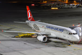 TC-JPM - Turkish Airlines Airbus A320