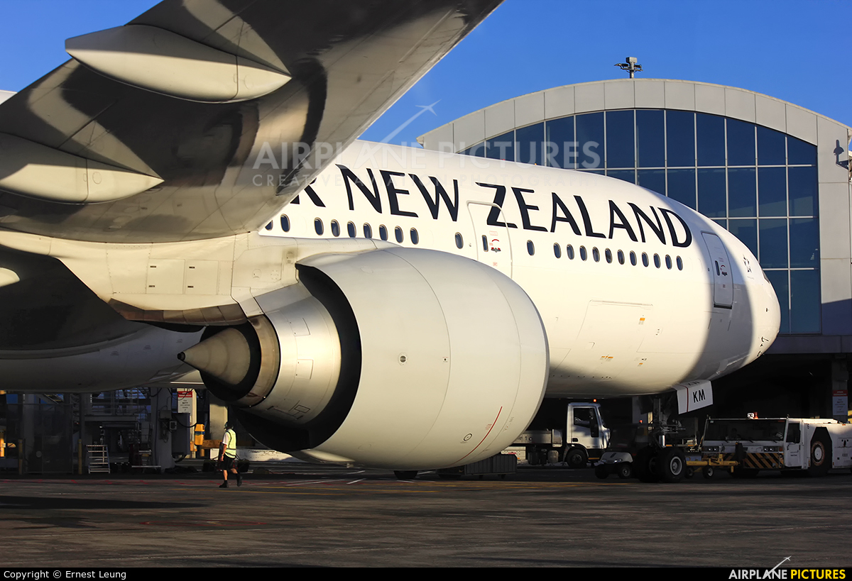 Air New Zealand ZK-OKM aircraft at Auckland Intl