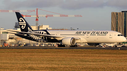 ZK-NZG - Air New Zealand Boeing 787-9 Dreamliner