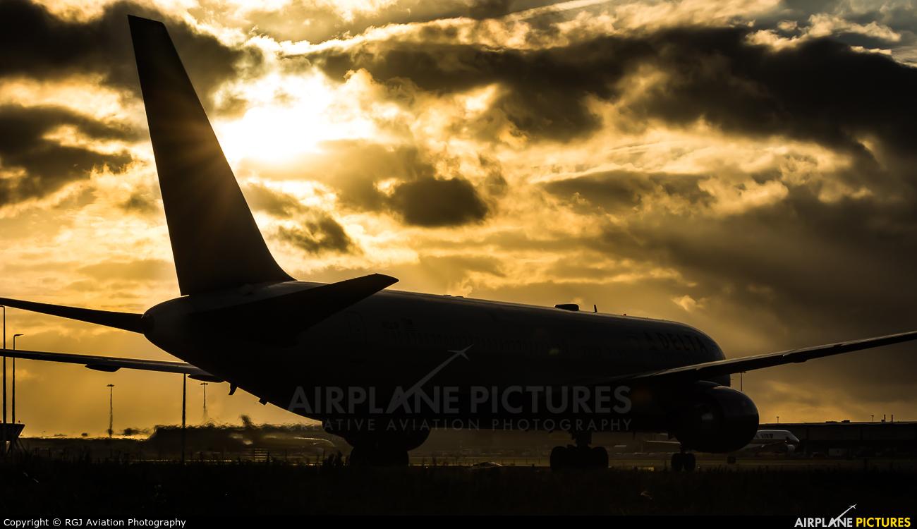 Delta Air Lines N1501P aircraft at Amsterdam - Schiphol