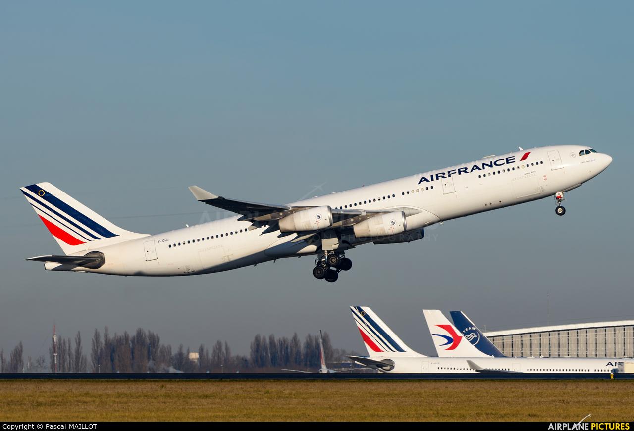 Air France F-GNII aircraft at Paris - Charles de Gaulle