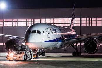 JA801A - ANA - All Nippon Airways Boeing 787-8 Dreamliner