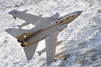 ZA372 - Royal Air Force Panavia Tornado GR.4 / 4A