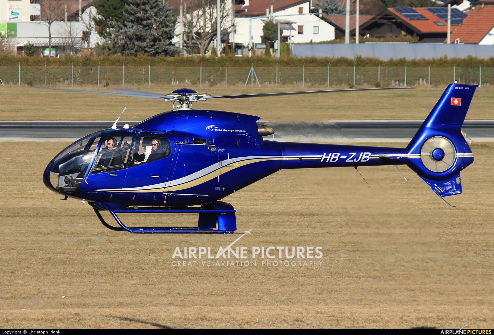 Private HB-ZJB aircraft at Innsbruck