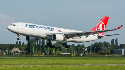 TC-JIR - Turkish Airlines Airbus A330-200