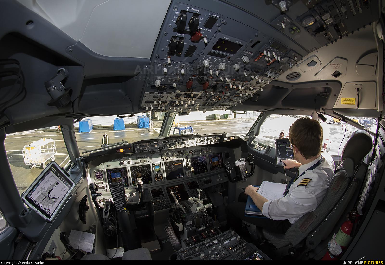 Ryanair EI-EKX aircraft at Dublin