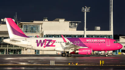 HA-LYI - Wizz Air Airbus A320