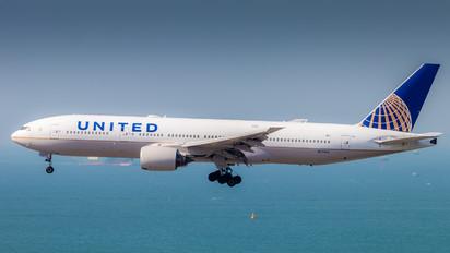 N-779UA - United Airlines Boeing 777-200LR