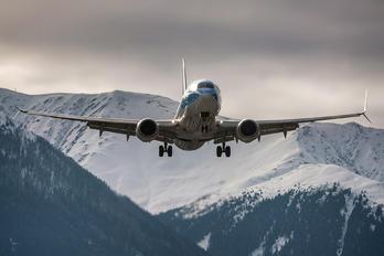 G-TAWM - TUI Airlines UK Boeing 737-800