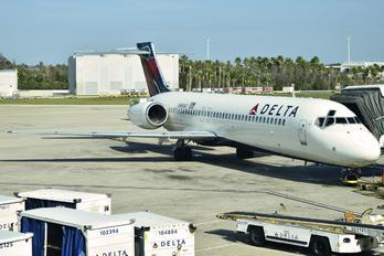 N940AT - Delta Air Lines Boeing 717