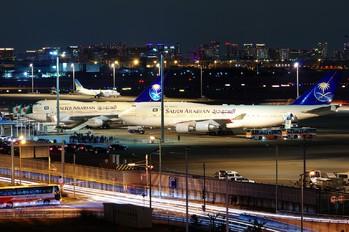 HZ-HM1 - Saudi Arabia - Royal Flight - Airport Overview - Apron
