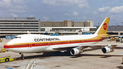N17011 - Continental Airlines Boeing 747-100
