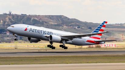 N772AN - American Airlines Boeing 777-200ER