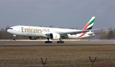 A6-EPJ - Emirates Airlines Boeing 777-31H(ER)