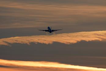 EI-FEH - Ryanair Boeing 737-800