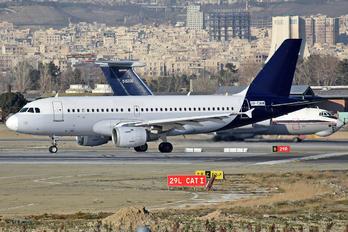 UR-CMW - Zagros Air Airbus A319