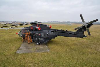 15-01 - Italy - Air Force Agusta Westland HH101A Caesar