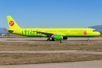 VP-BPO - S7 Airlines Airbus A321