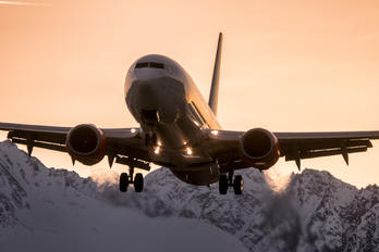 PH-GUU - Transavia Boeing 737-800