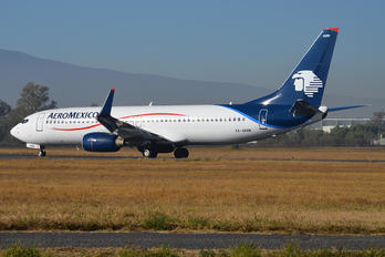 XA-AMW - Aeromexico Boeing 737-800