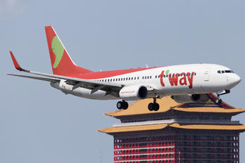 HL8235 - T'Way Air Boeing 737-800
