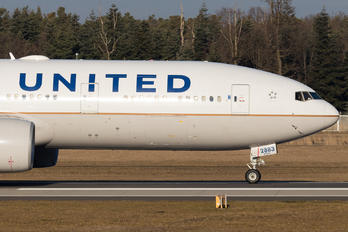 N783UA - United Airlines Boeing 777-200ER
