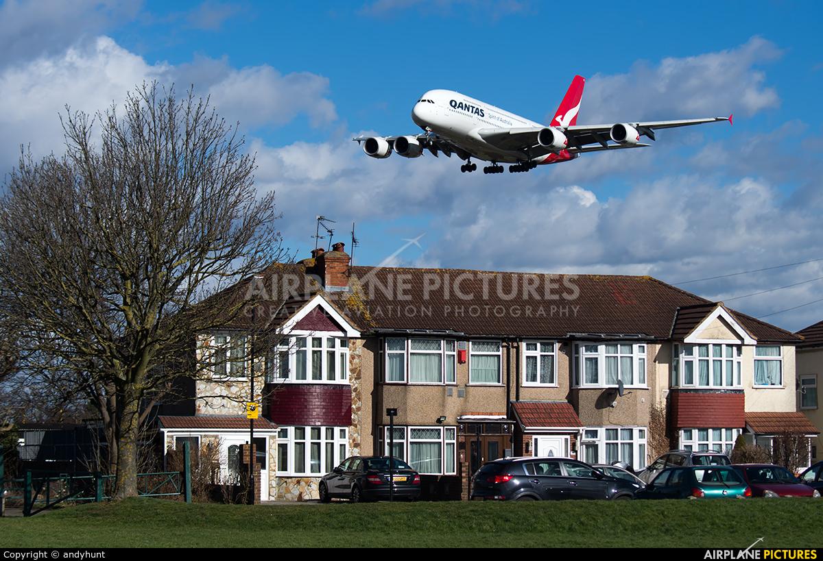 QANTAS VH-OQK aircraft at London - Heathrow