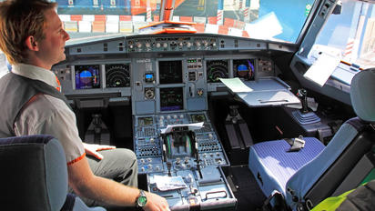 G-EZTW - easyJet Airbus A320
