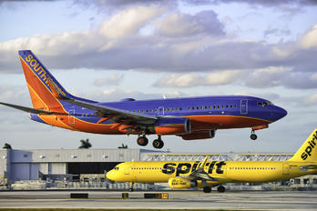 N7703A - Southwest Airlines Boeing 737-700